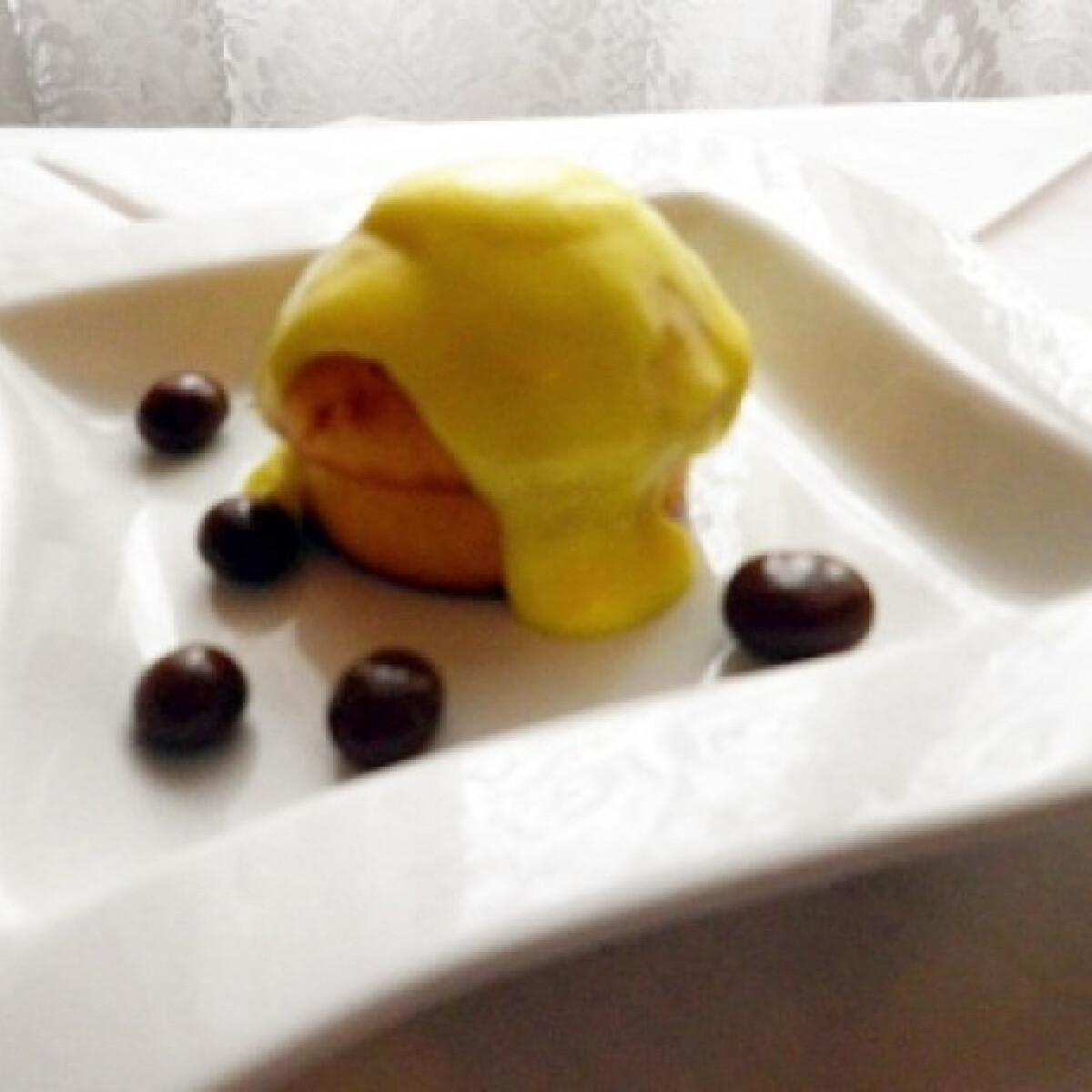 Ezen a képen: Triplán narancsos muffin