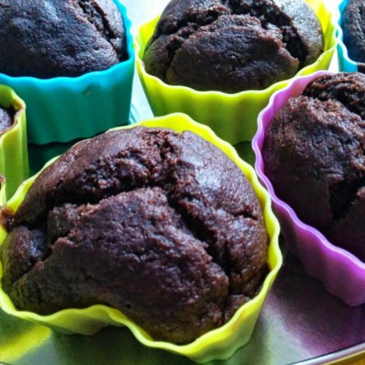 Ezen a képen: Cukkinis-csokis muffin diétásan