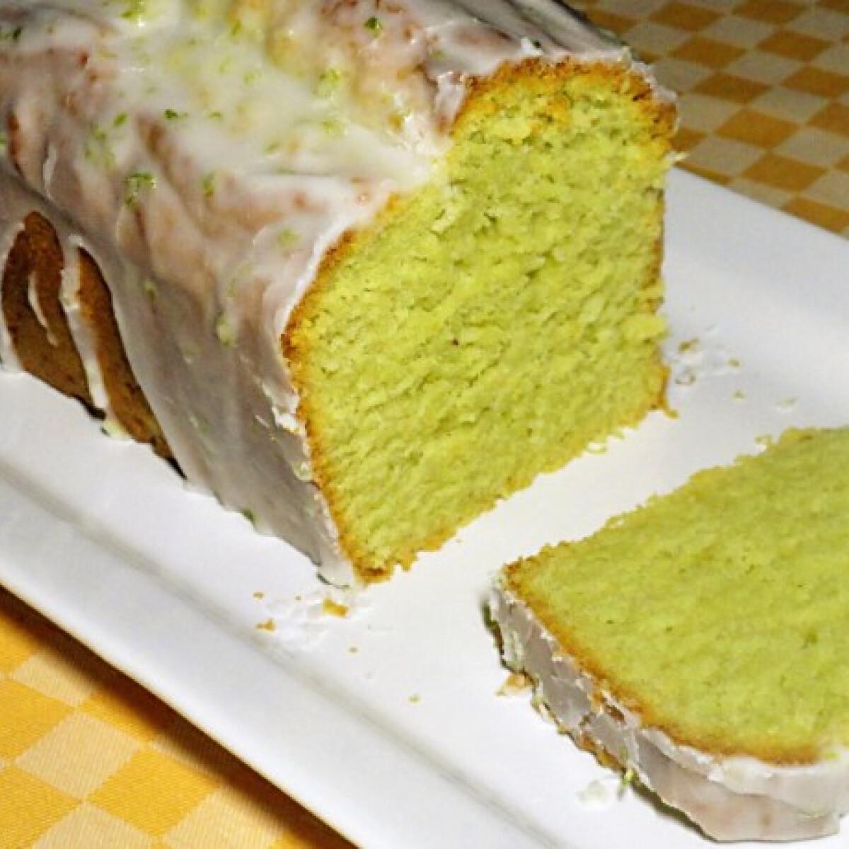 Ezen a képen: Avokádós sütemény limemázzal