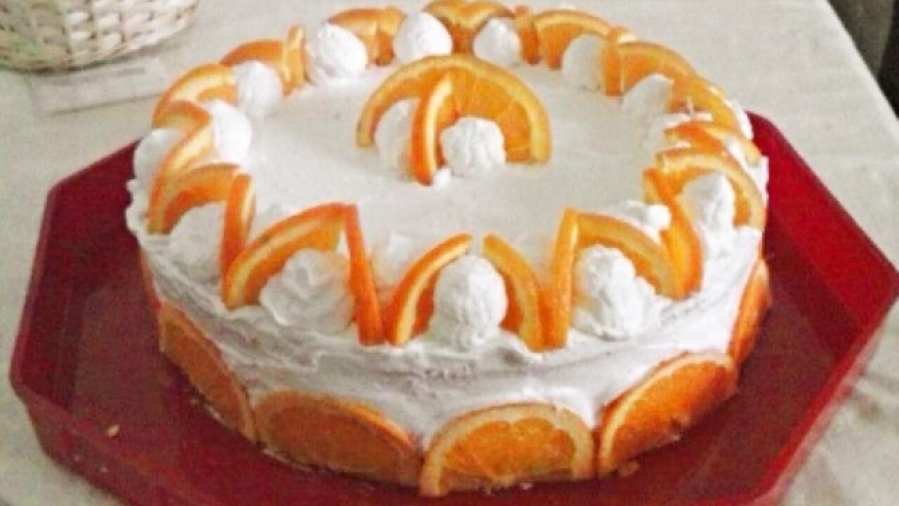 Tejszínes narancstorta izzi konyhájából