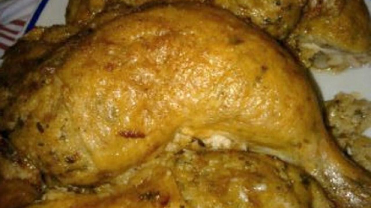 Fehérborral locsolt töltött csirkecomb
