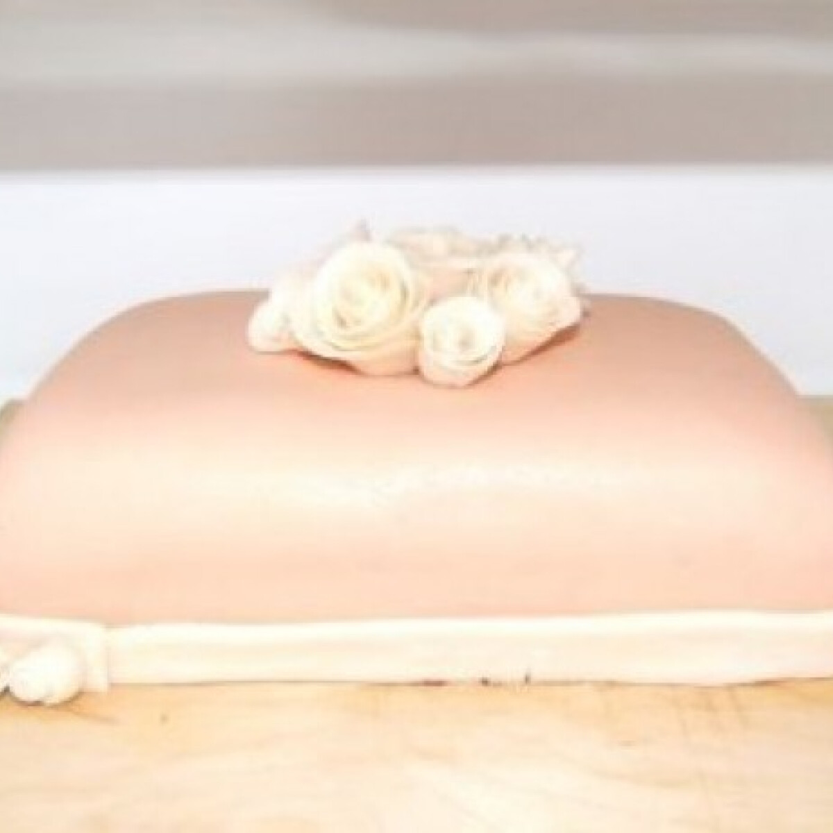 Ezen a képen: Csokoládés-mascarpone-s fondant torta