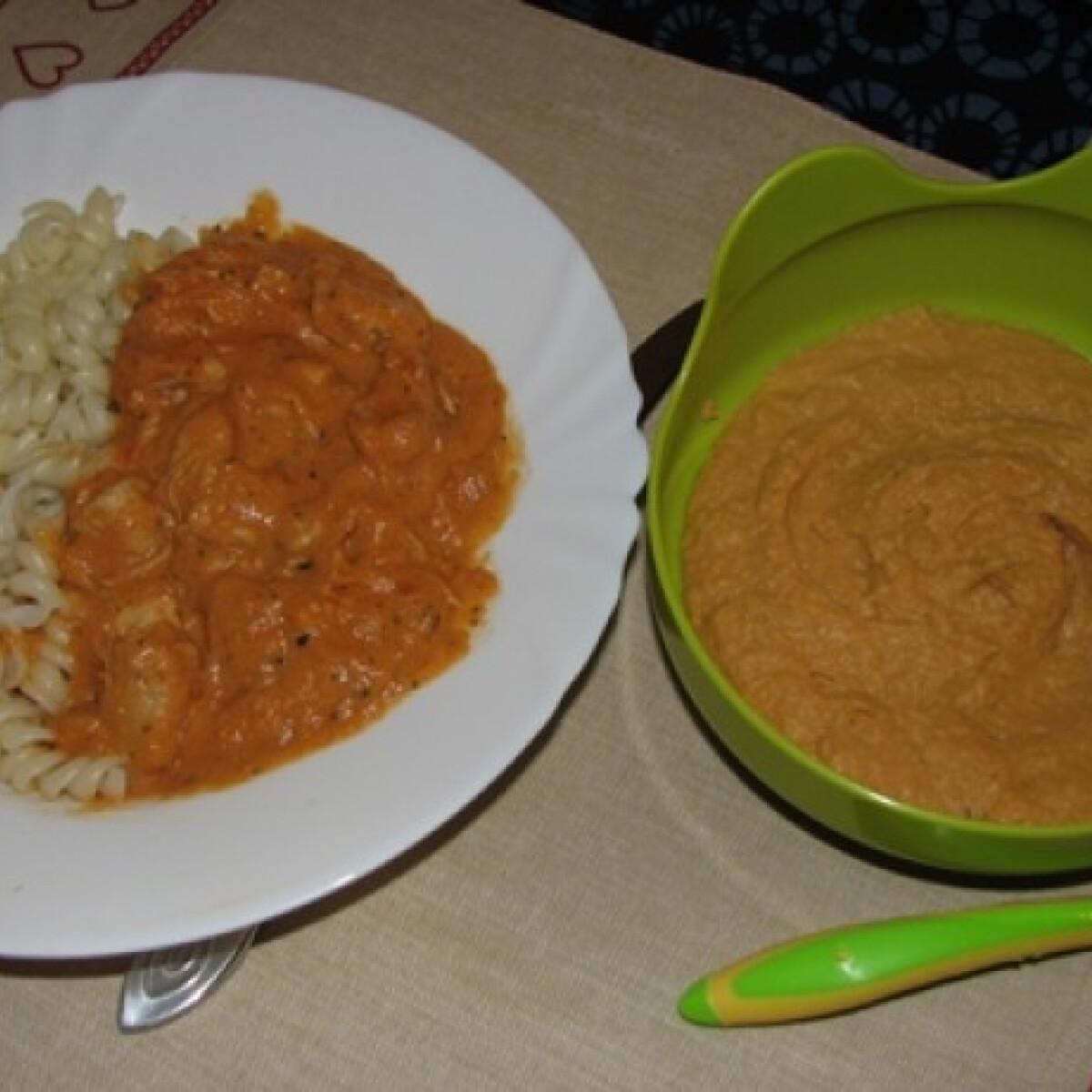 Ezen a képen: Cukkinis csirkeragu tésztával