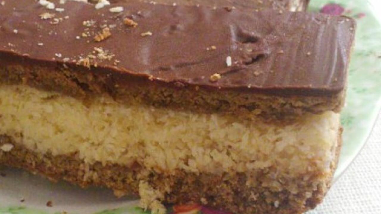 Barna tésztás kókuszos süti