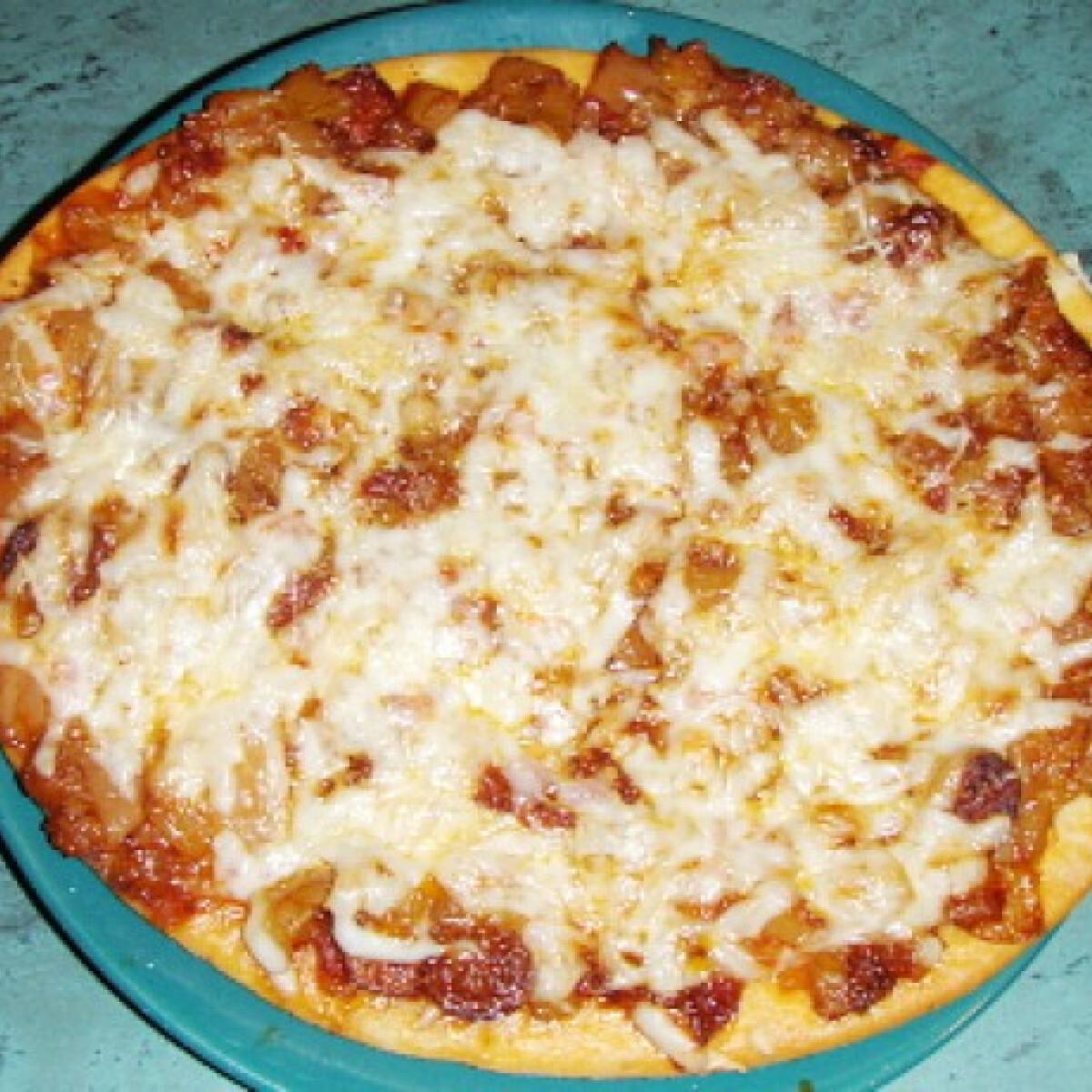 Ezen a képen: Turbó pizza cukkinis lecsóval