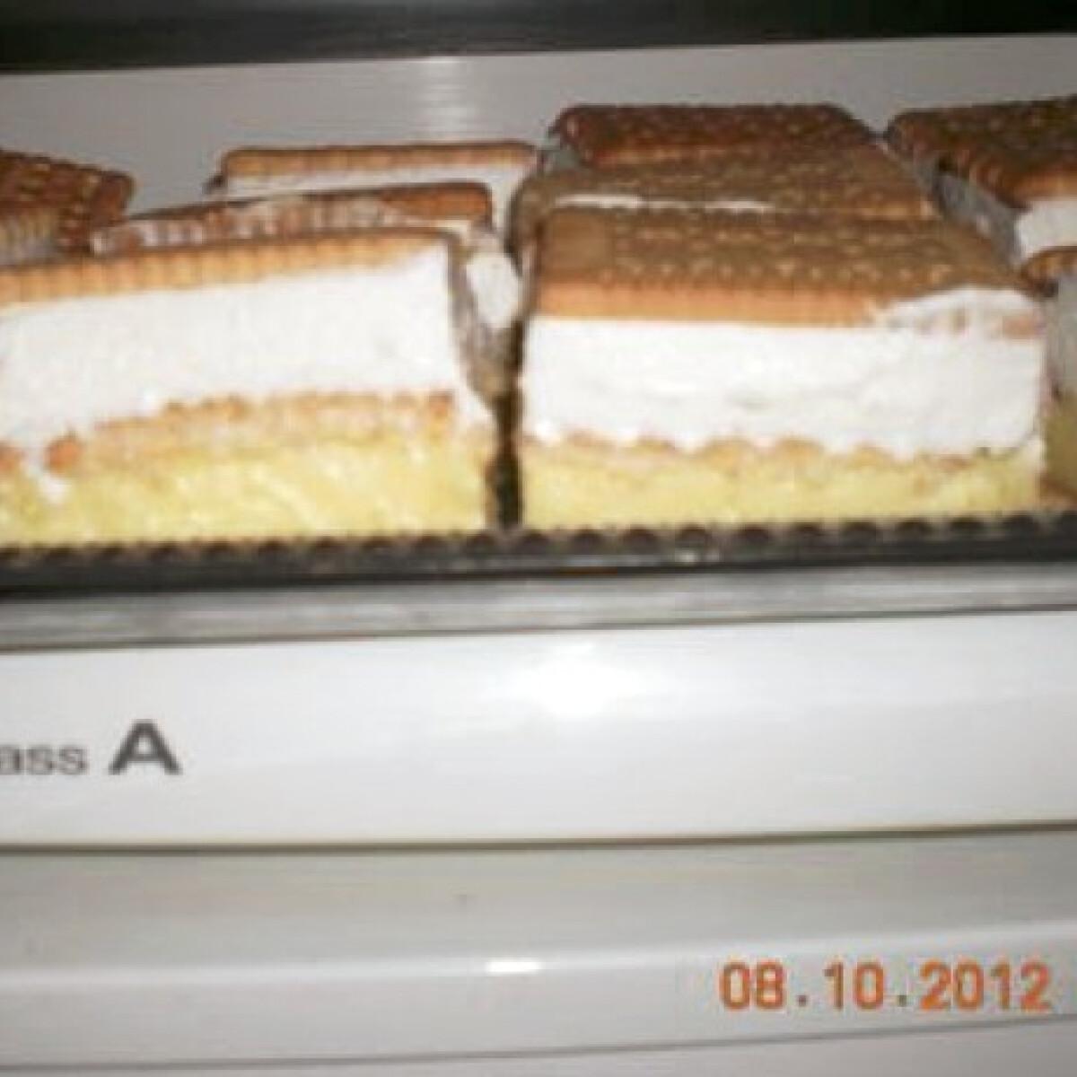 Ezen a képen: Hamis francia krémes kekszből