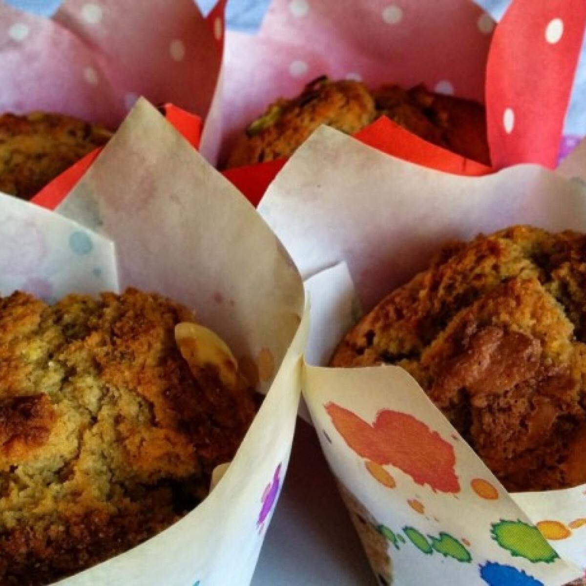 Ezen a képen: Egészséges narancsos-mandulás muffin