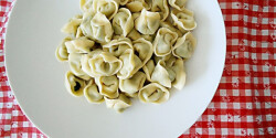 Ricottás-spenótos tortellini házilag