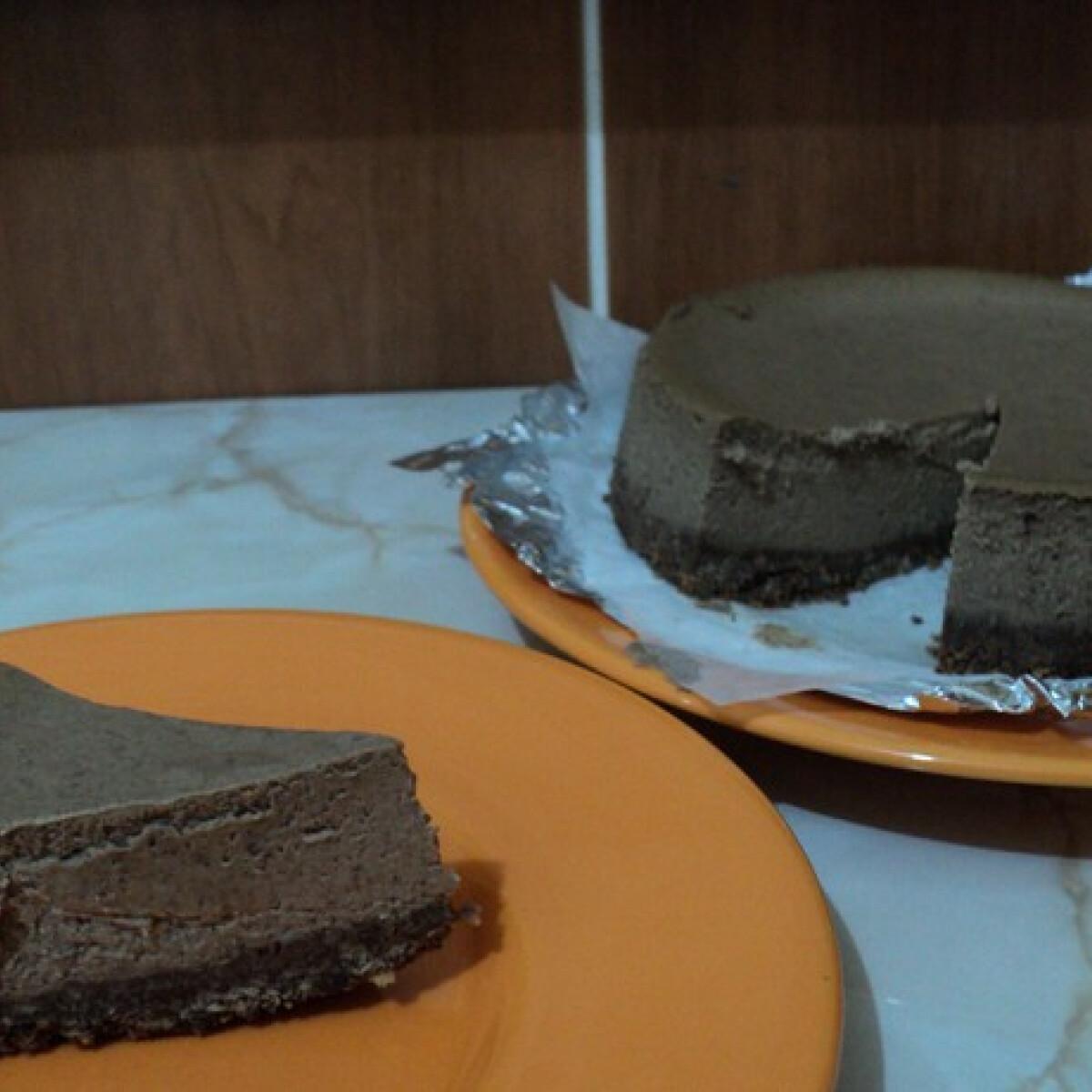 Ezen a képen: Csokis sajttorta vízfűrdőmentesen