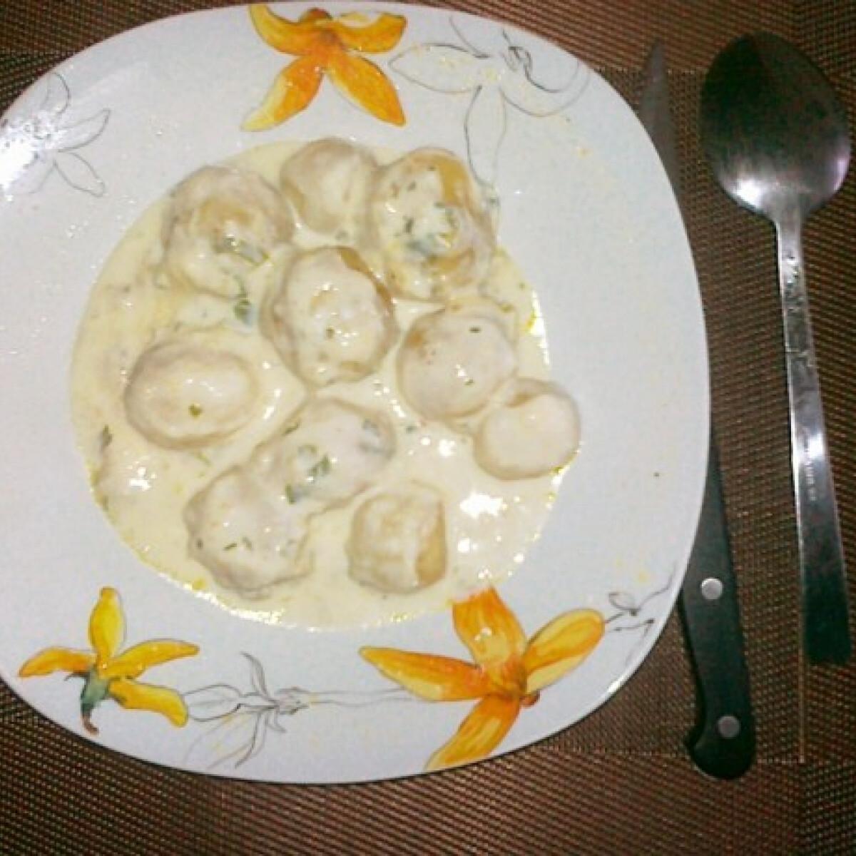 Ezen a képen: Krumplipaprikás tejjel