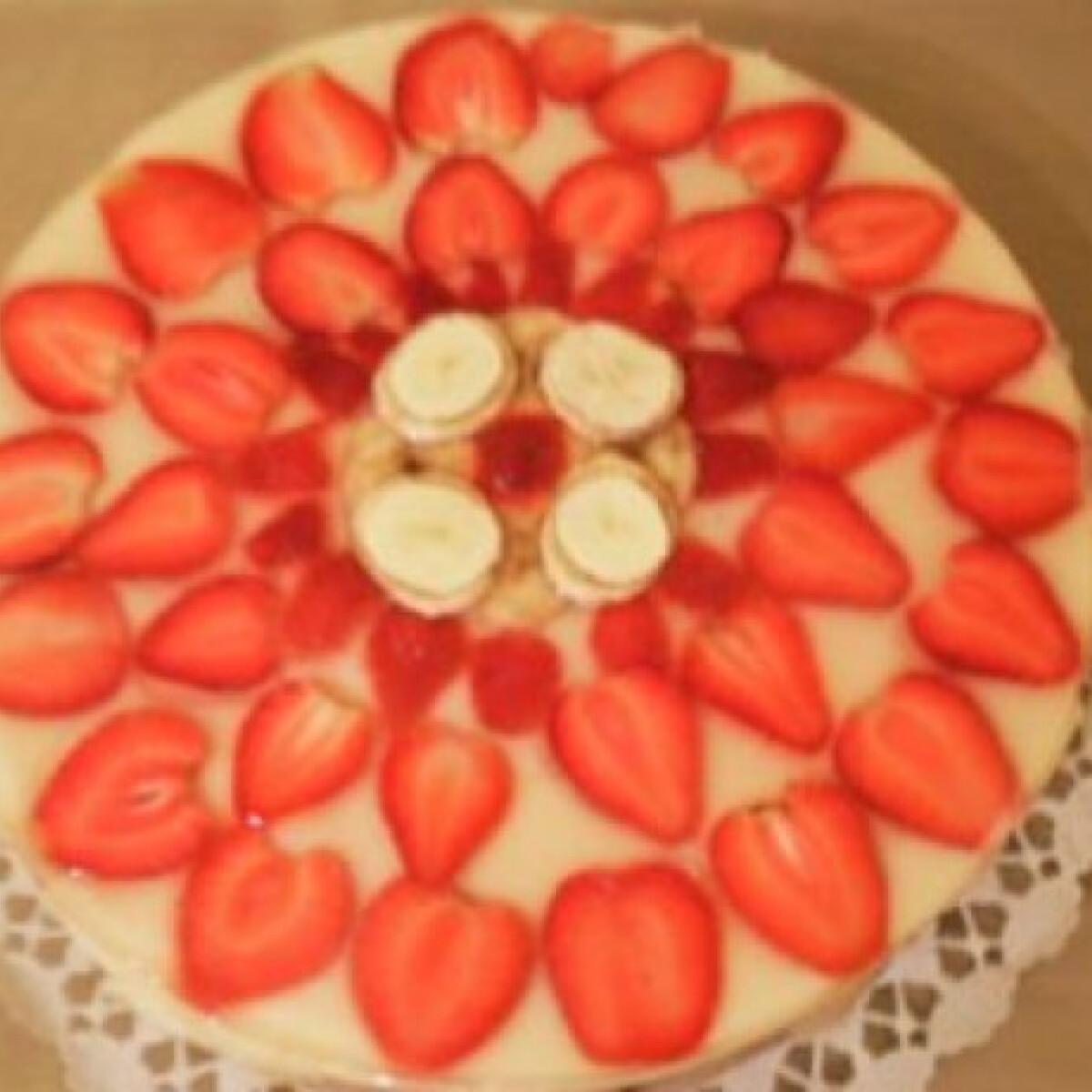Ezen a képen: Darakrémes gyümölcstorta