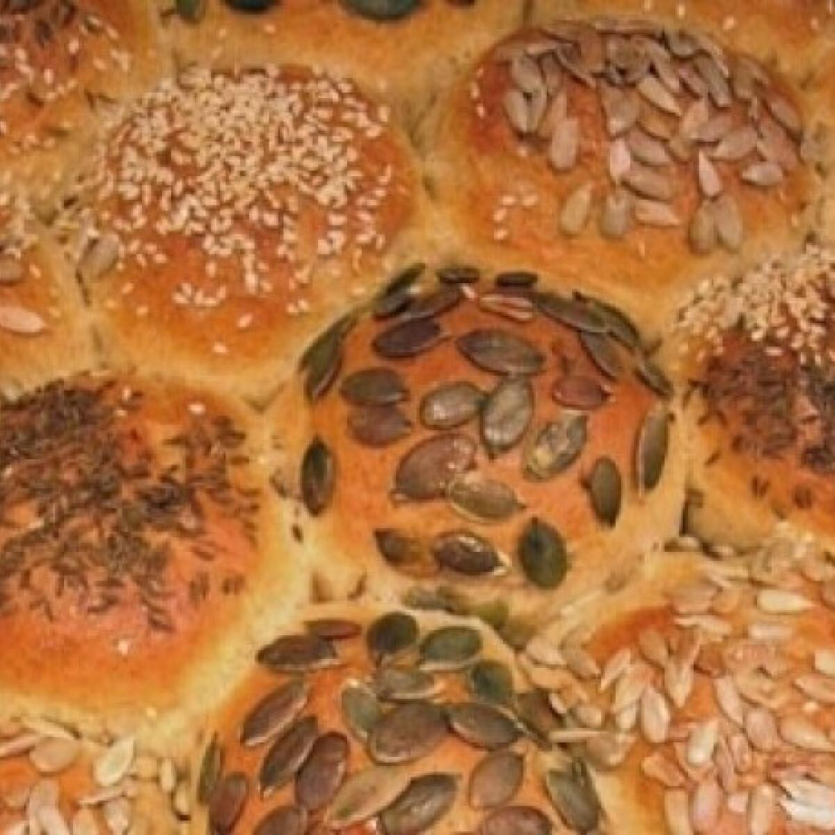 Ezen a képen: Magvas kenyér