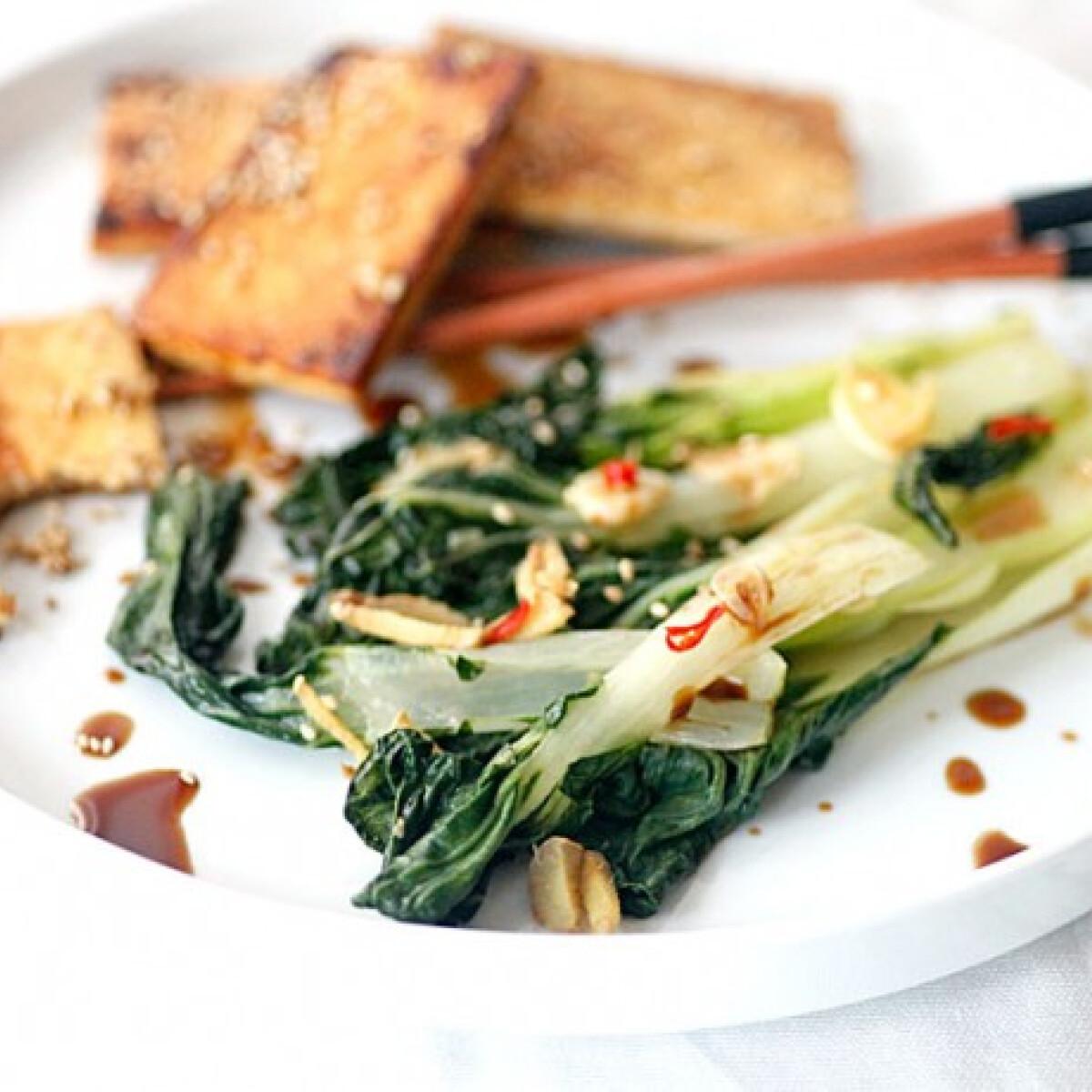 Ezen a képen: Szezámmagos tofu chilis pak-choyal