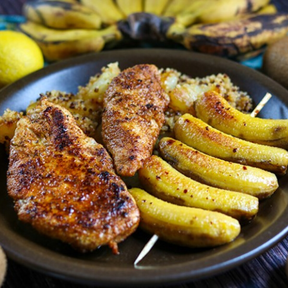 Ezen a képen: Karibi csirkemell ananászos quinoával