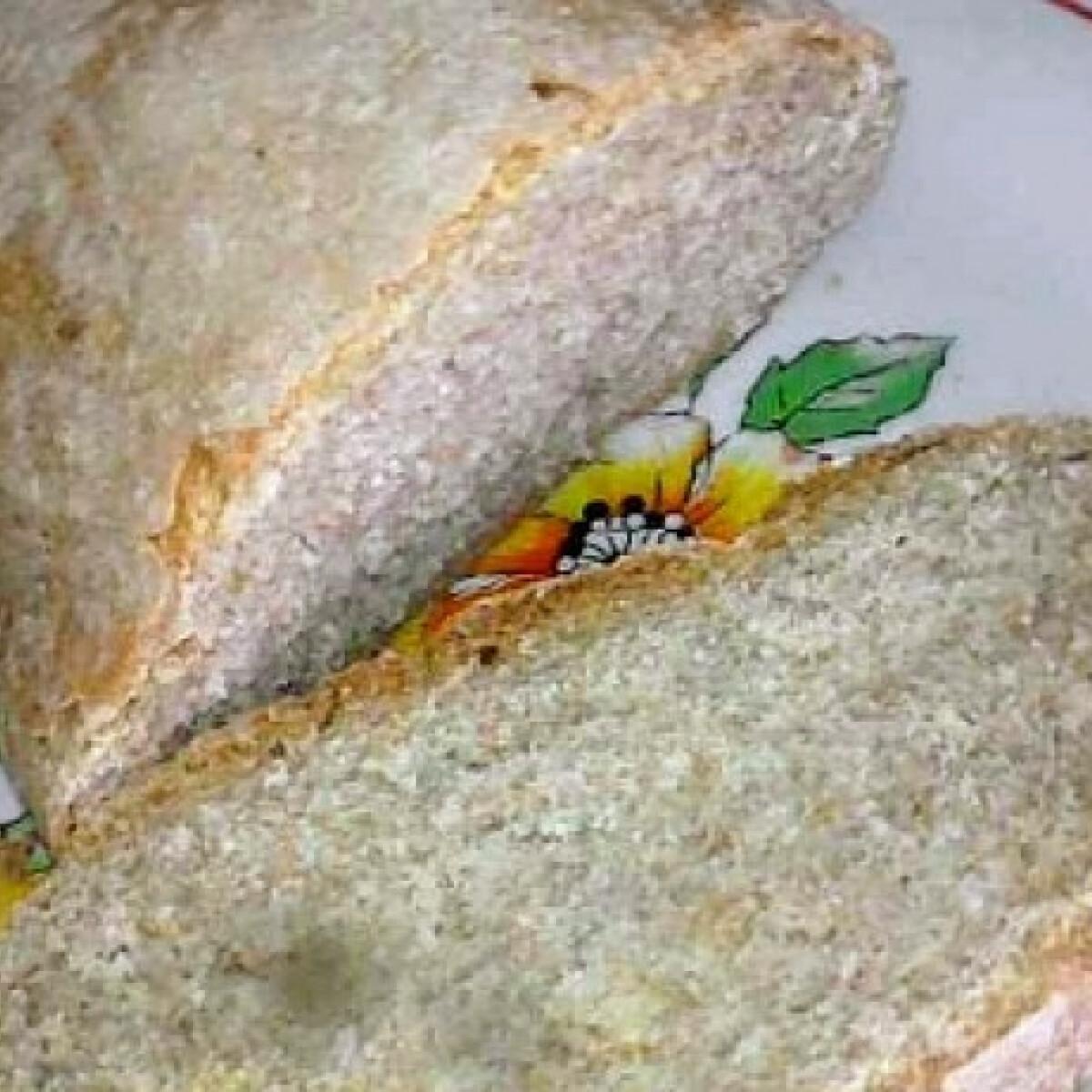 Burgonyás-köménymagos kenyér