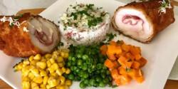 Csirke Cordon bleu zöldkörettel és sonkás rizzsel