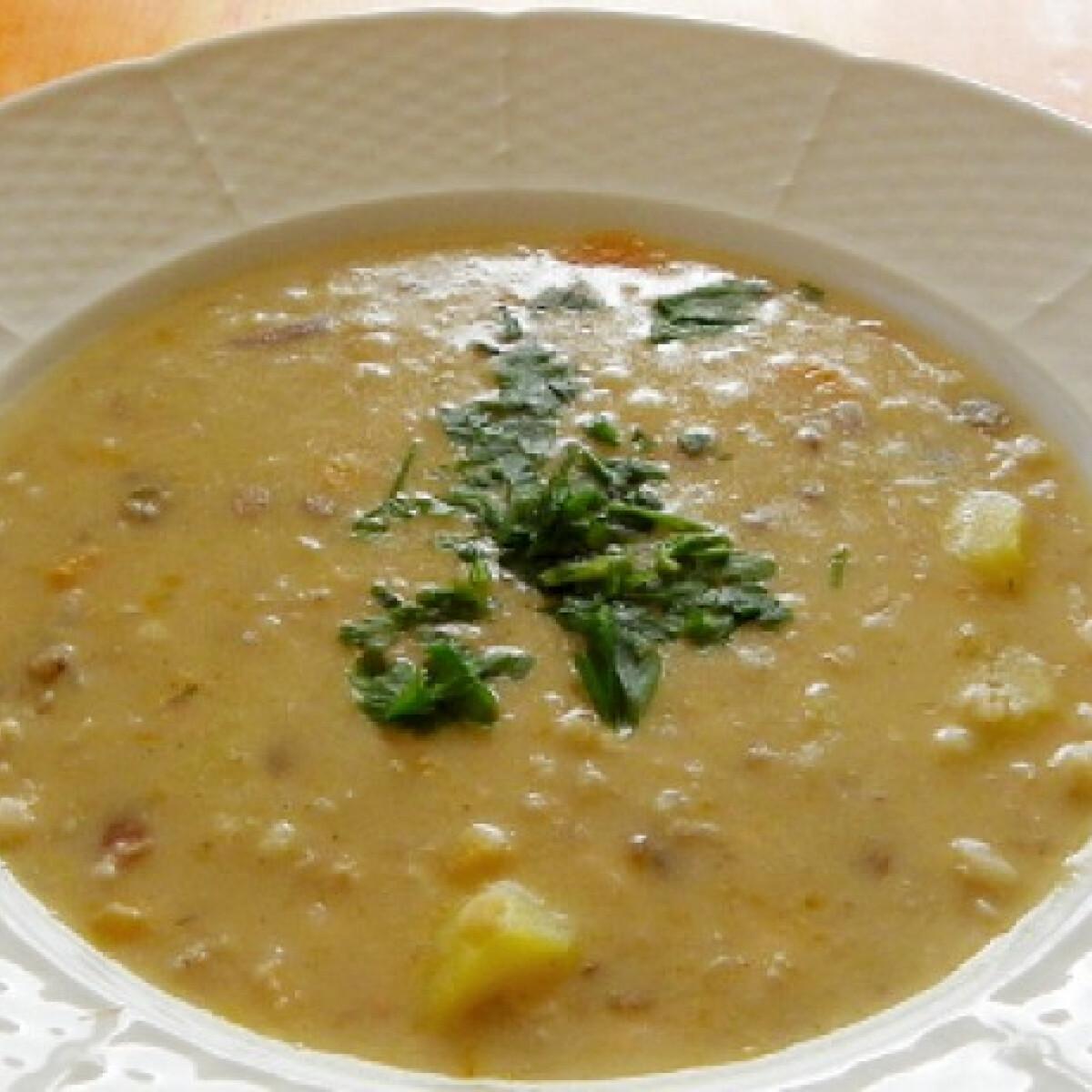 Ezen a képen: Ötmagos leves