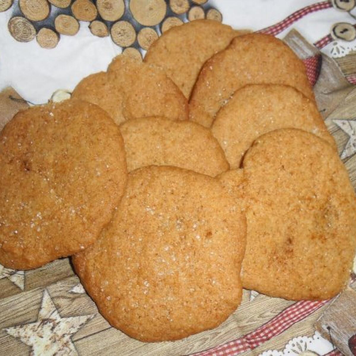 Ezen a képen: Pikáns gyömbéres keksz