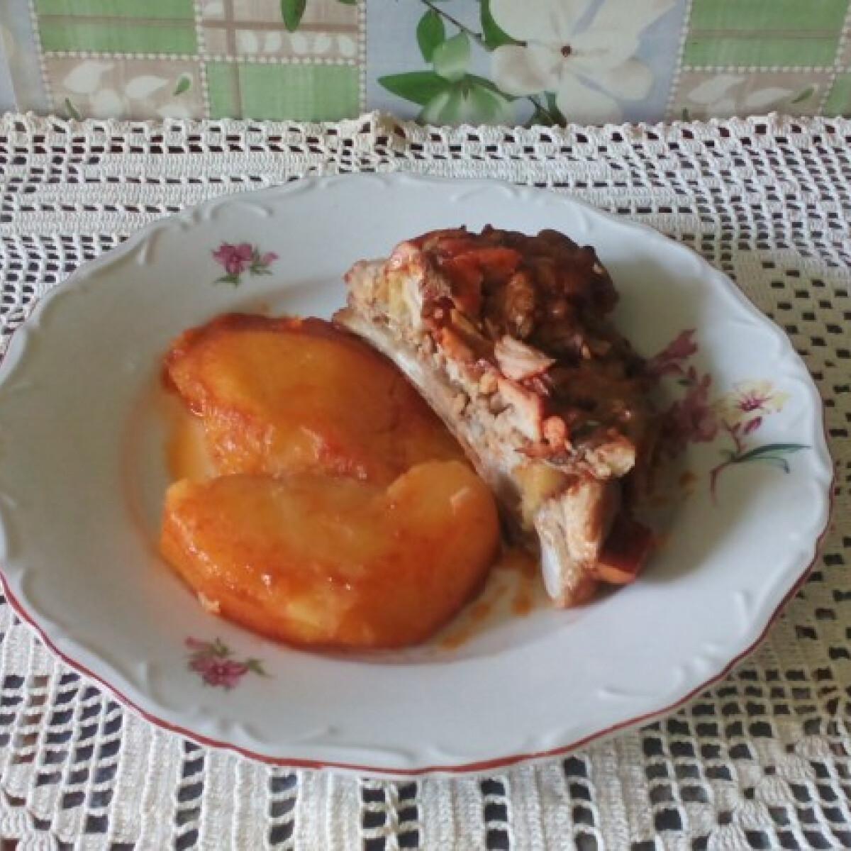 Ezen a képen: Sertésborda burgonyával