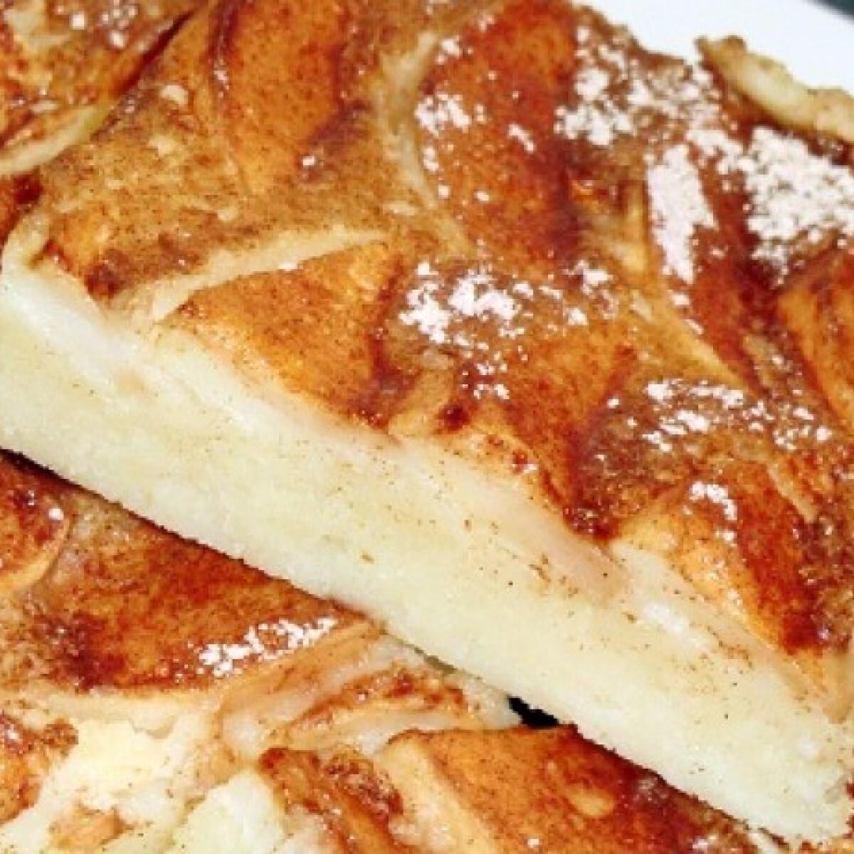 Ezen a képen: Almás palacsinta tepsiben Gy. Zsuzsitól