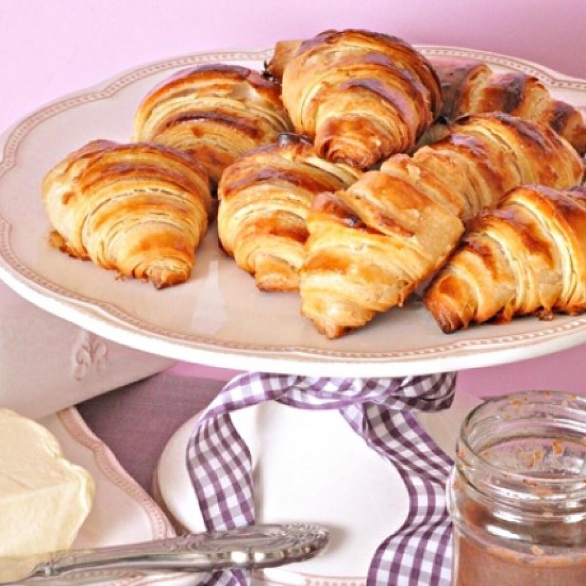 Ezen a képen: Házi vajas croissant