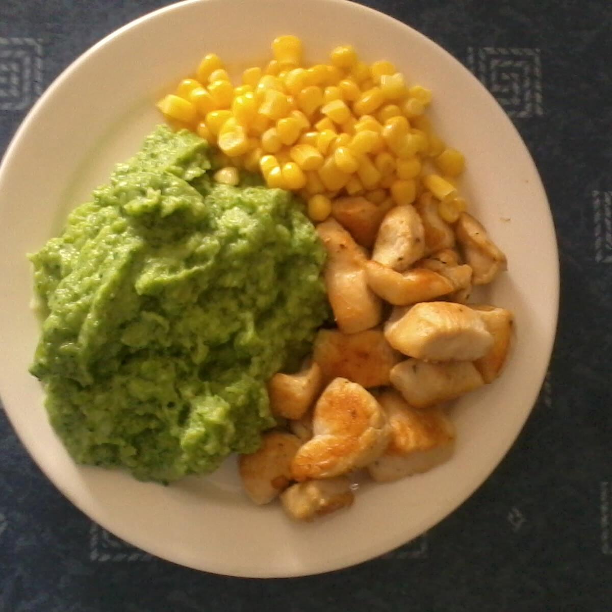 Ezen a képen: Joghurtos brokkolipüré