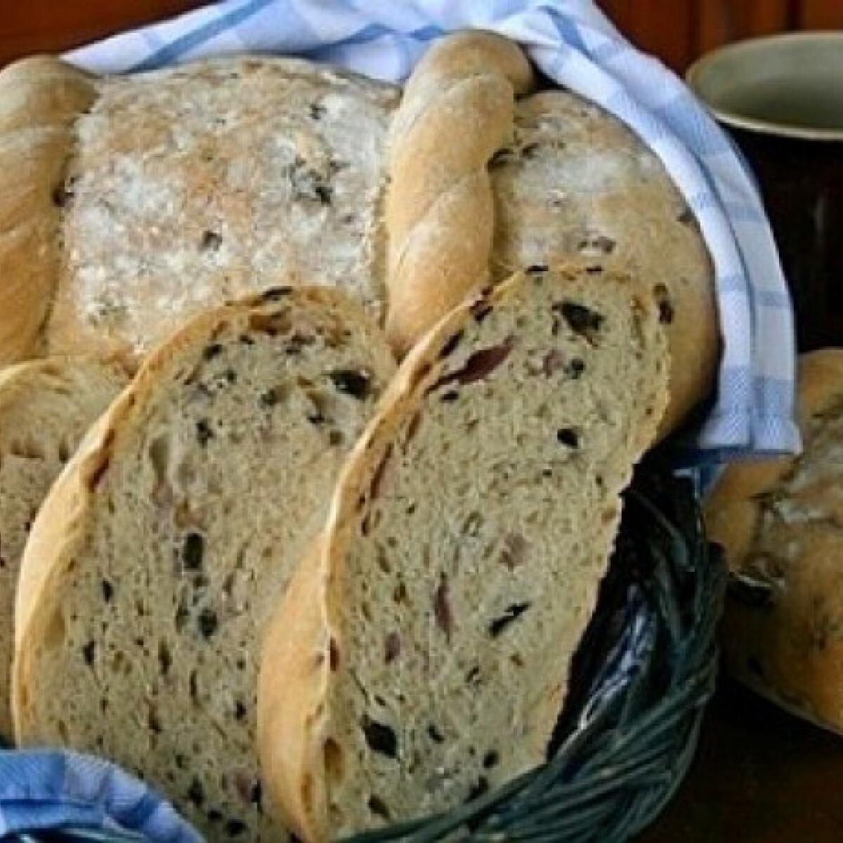 Ezen a képen: Görög olívabogyós kenyér