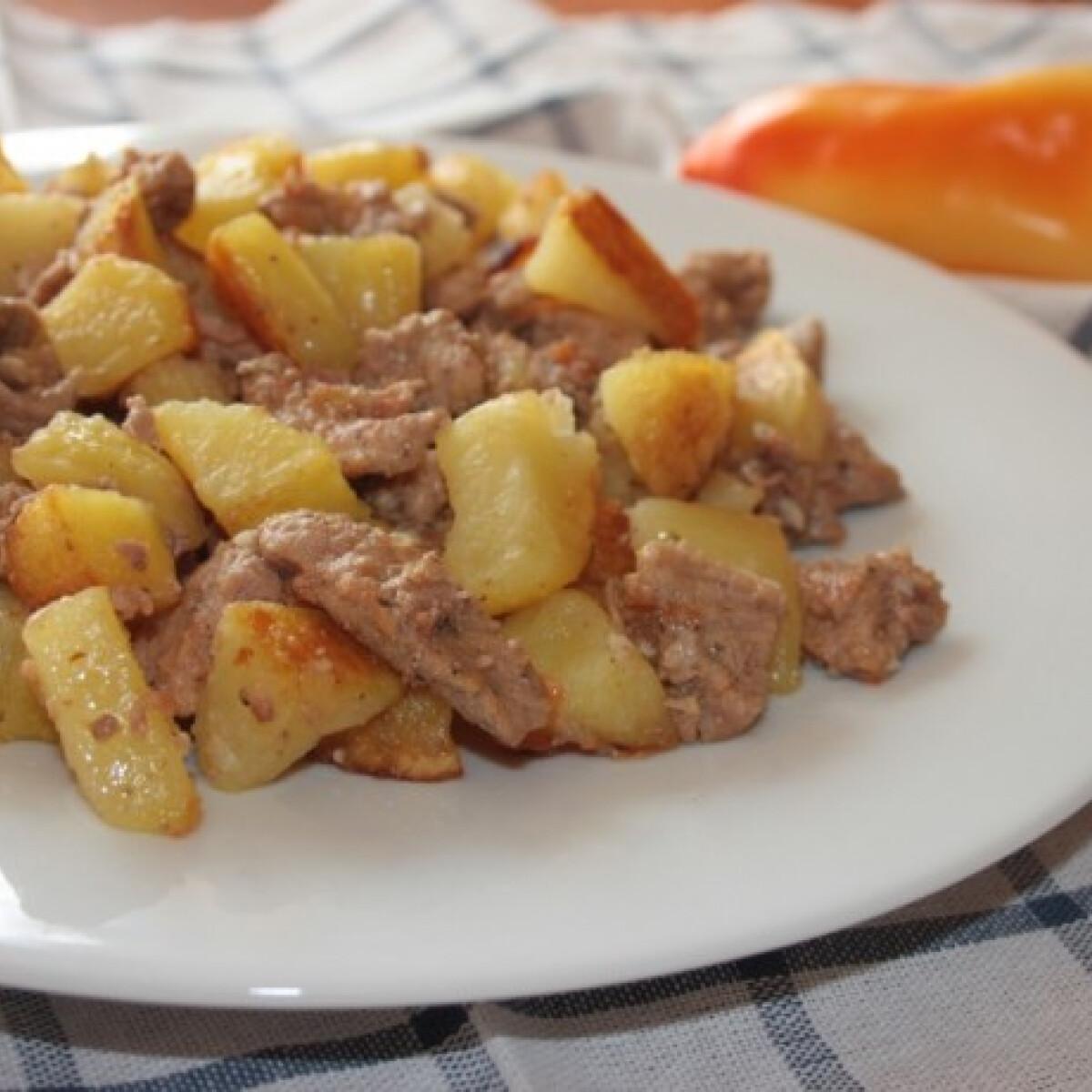 Ezen a képen: Brassói aprópecsenye sütőben sült burgonyával