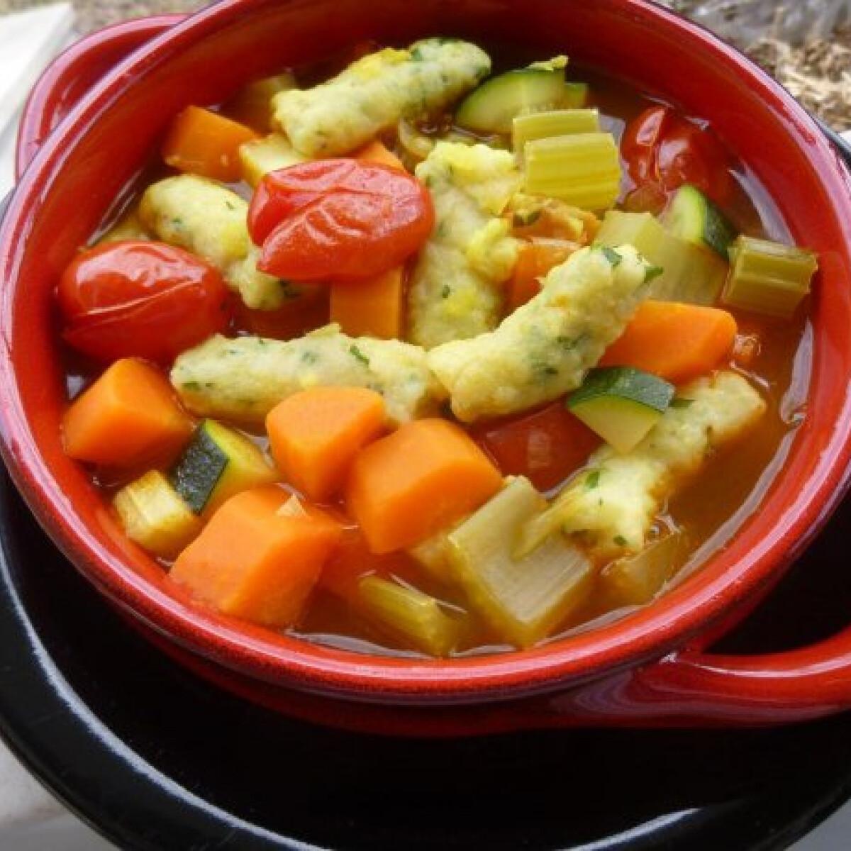 Ezen a képen: Zöldségleves ricottás gnocchival