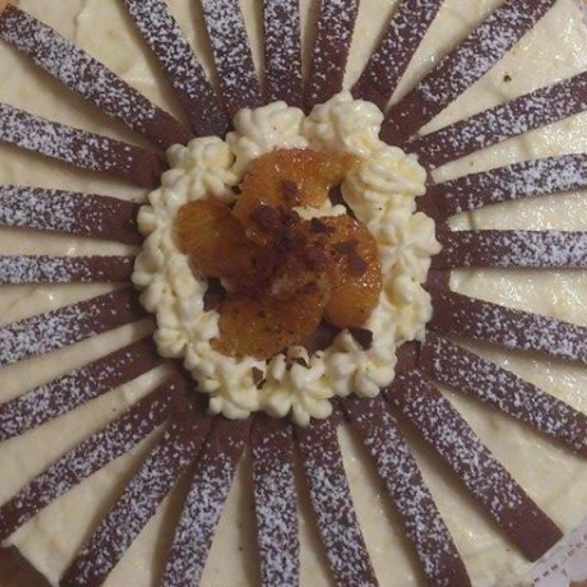 Ezen a képen: Narancs mousse-os kávés csokitorta