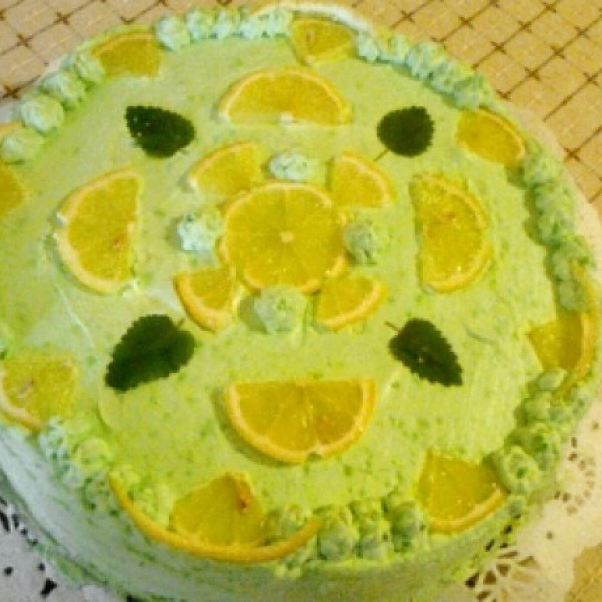 Ezen a képen: Citromos torta ahogy Dézi készíti