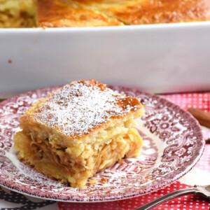 Fűszeres almás béles tejfölös tésztával
