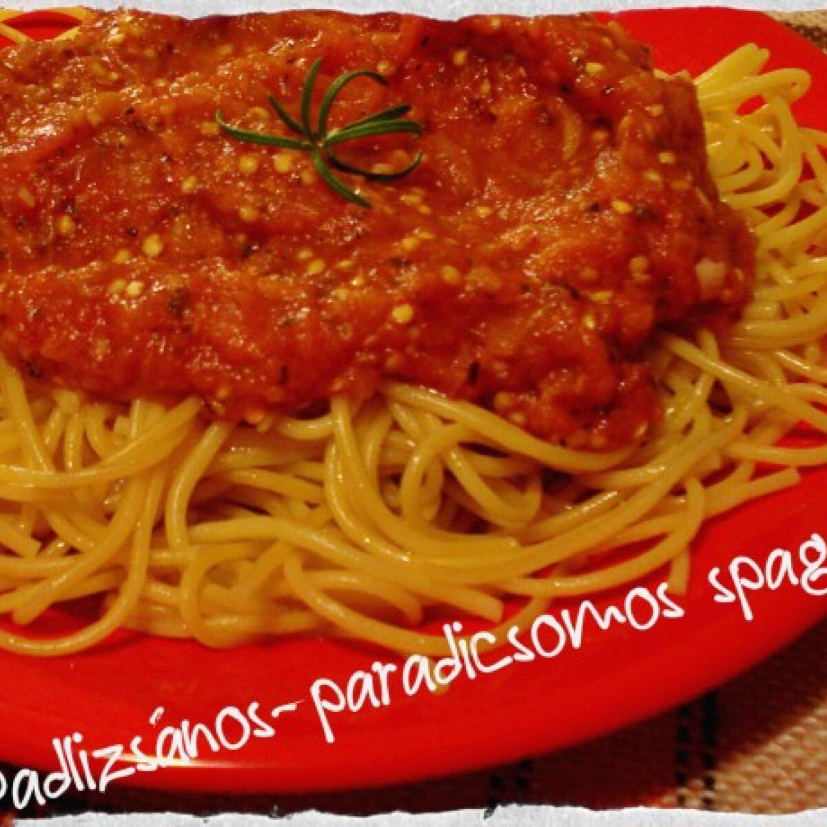 Ezen a képen: Padlizsános-paradicsomos spagetti