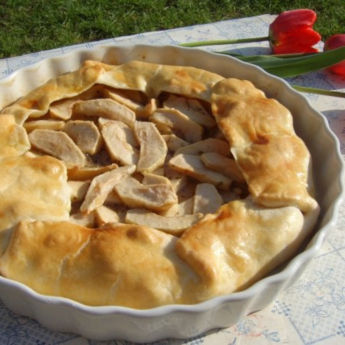 Ezen a képen: Kakukkfüves almás pite