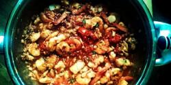 Tenger gyümölcsei chilis paradicsom mártásban