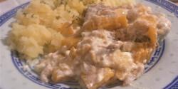 Rókagombás-barackos csirkecombok