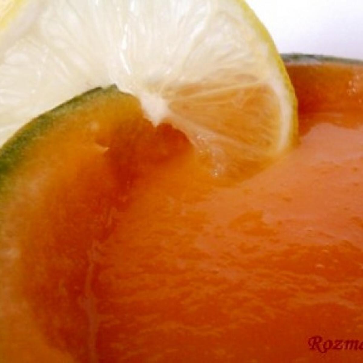 Ezen a képen: Citrusos sárgadinnyekrémleves