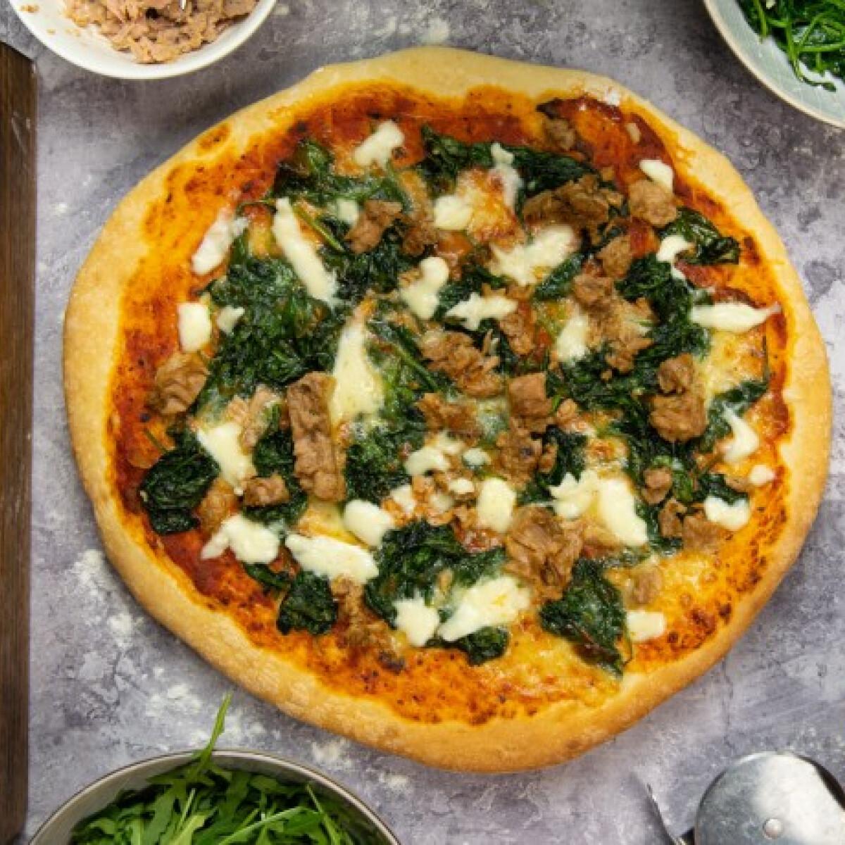 Ezen a képen: Tonhalas-spenótos pizza