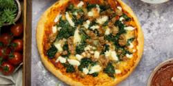 Tonhalas-spenótos pizza