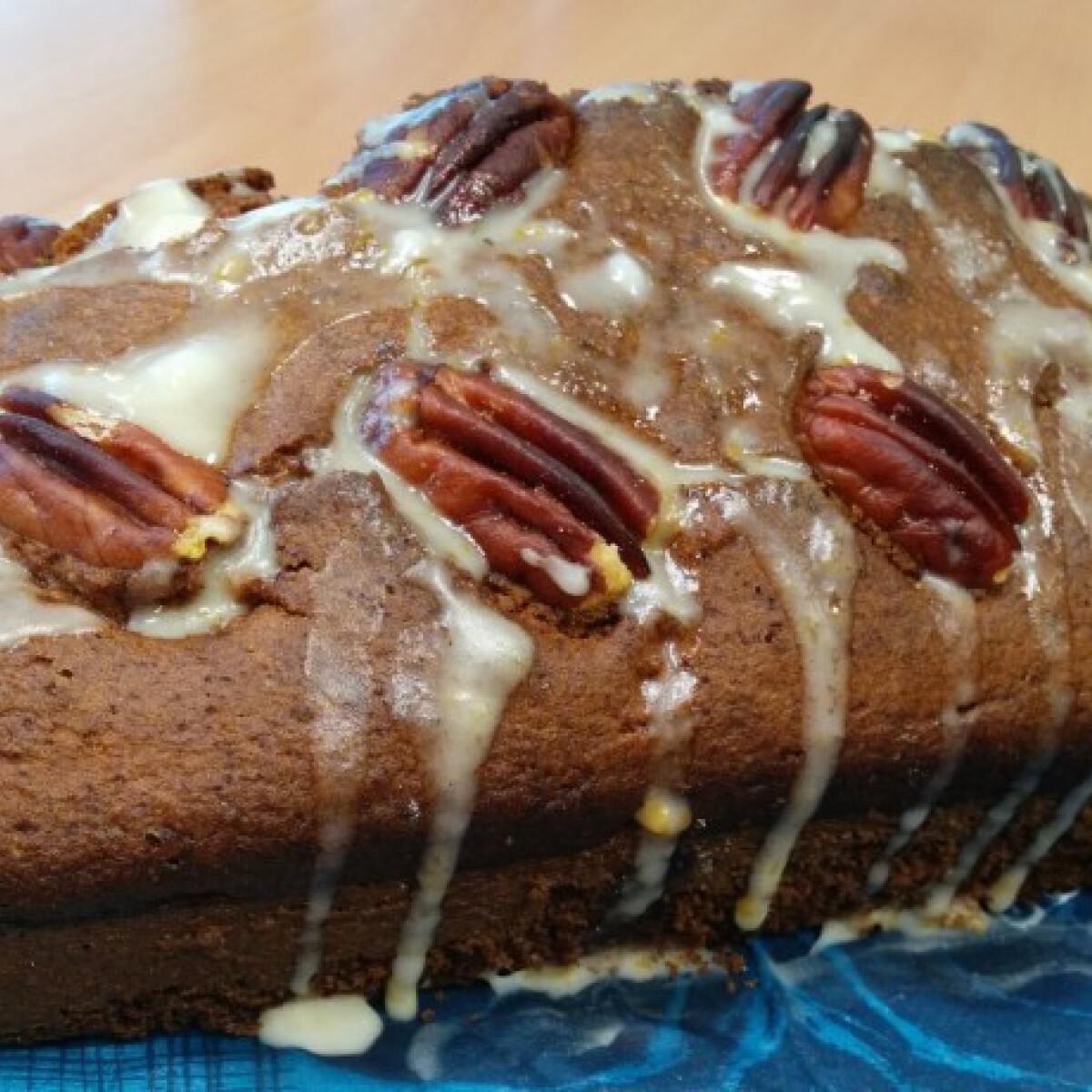 Ezen a képen: Karácsonyi bűntudatmentes narancsos süti