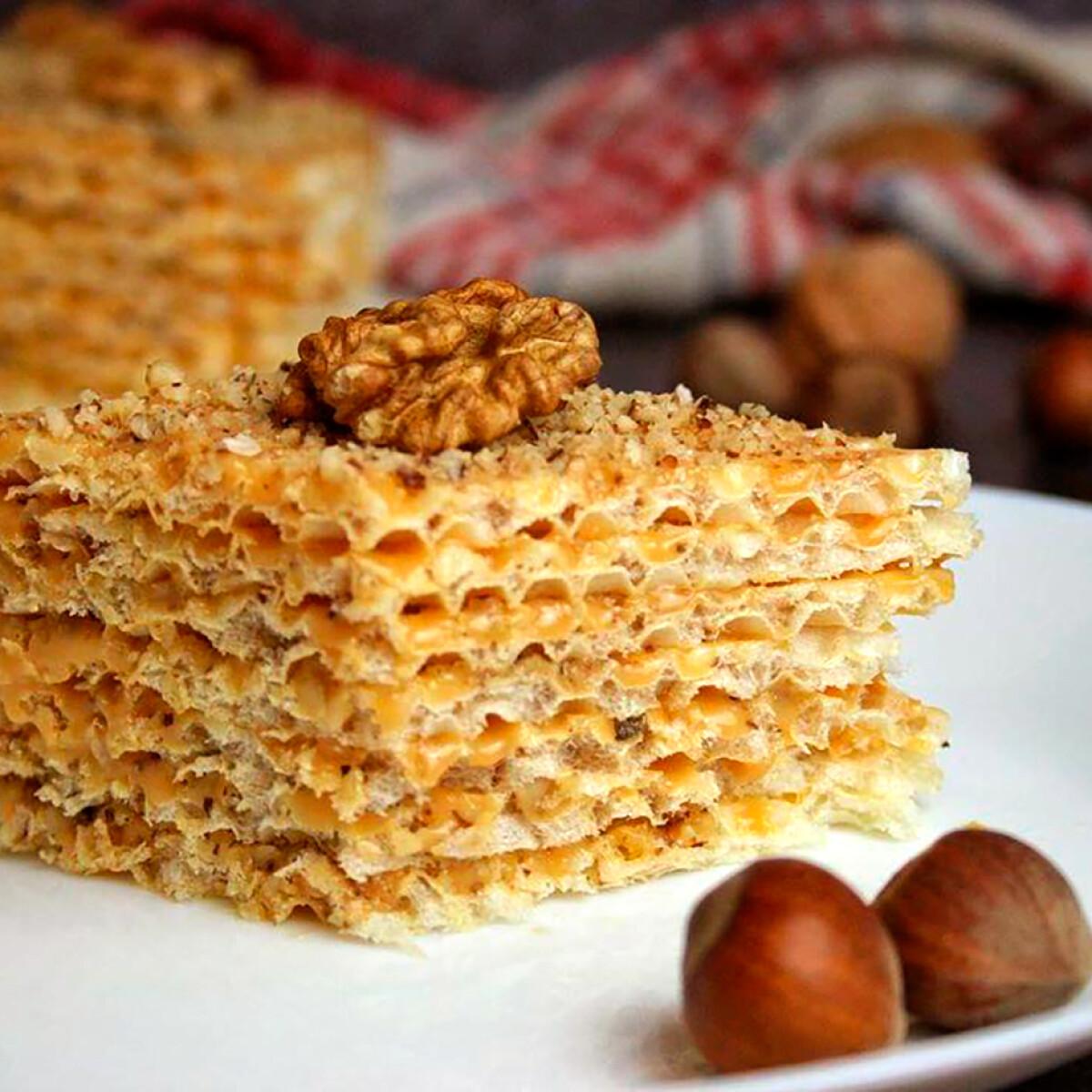 Ezen a képen: Tejkaramellás-diós torta
