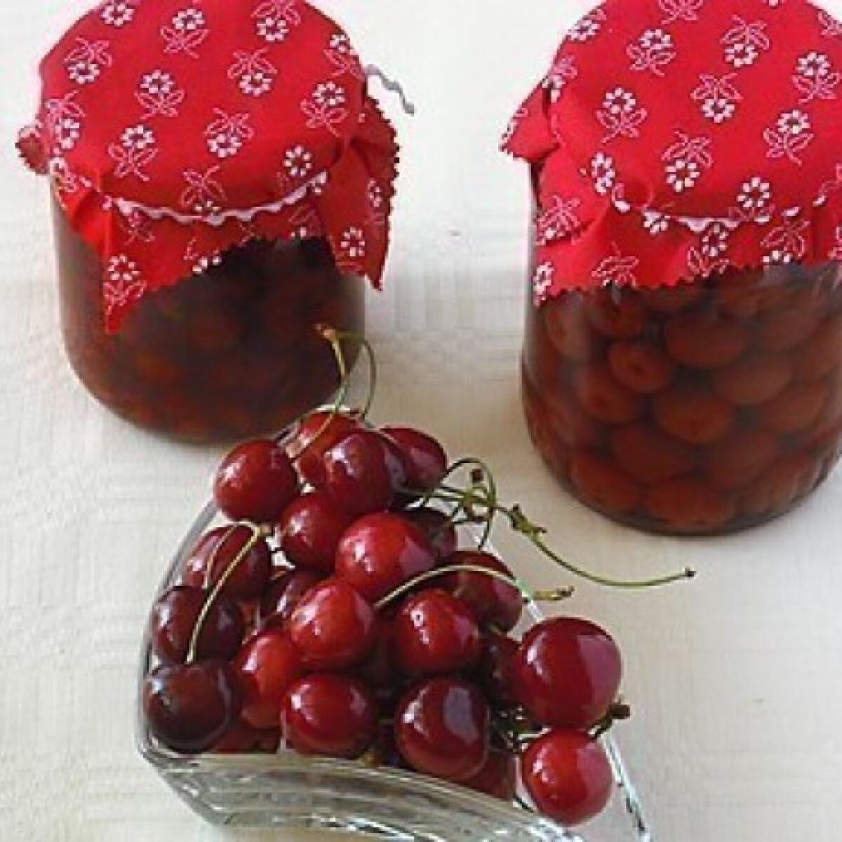 Ezen a képen: Cseresznyebefőtt 3. - változatok télire