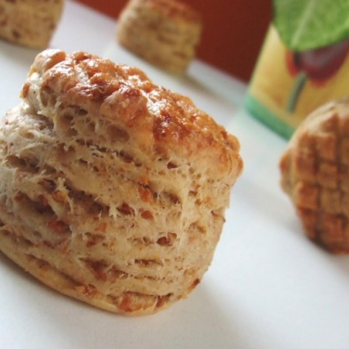 Ezen a képen: Hajtogatott tepertős pogácsa Anditól