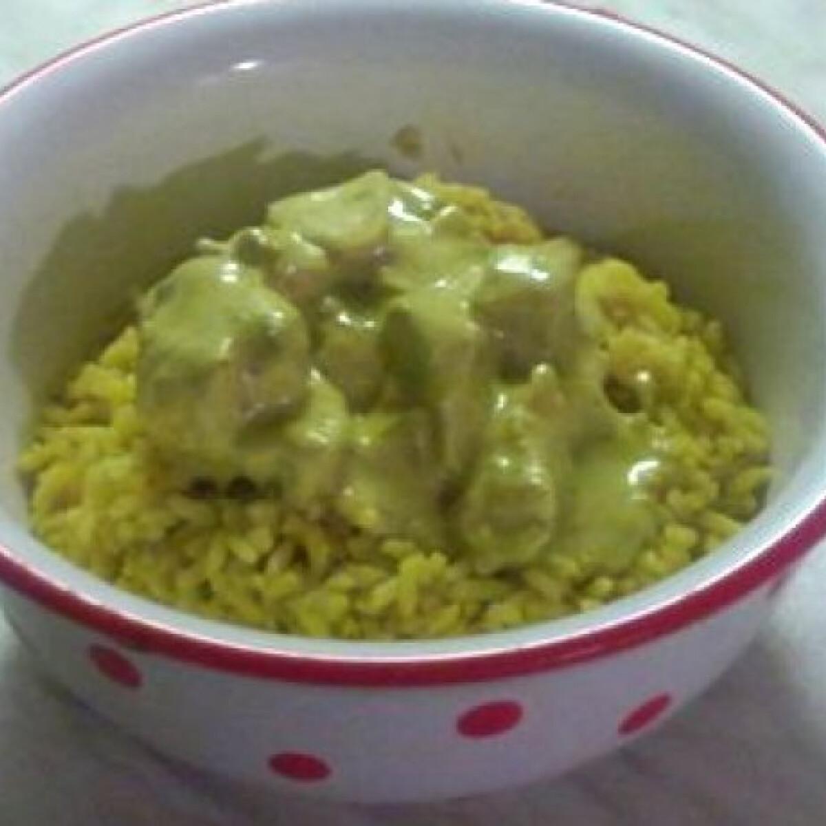 Ezen a képen: Tejszínes mustáros csirkemell curry-s rizzsel