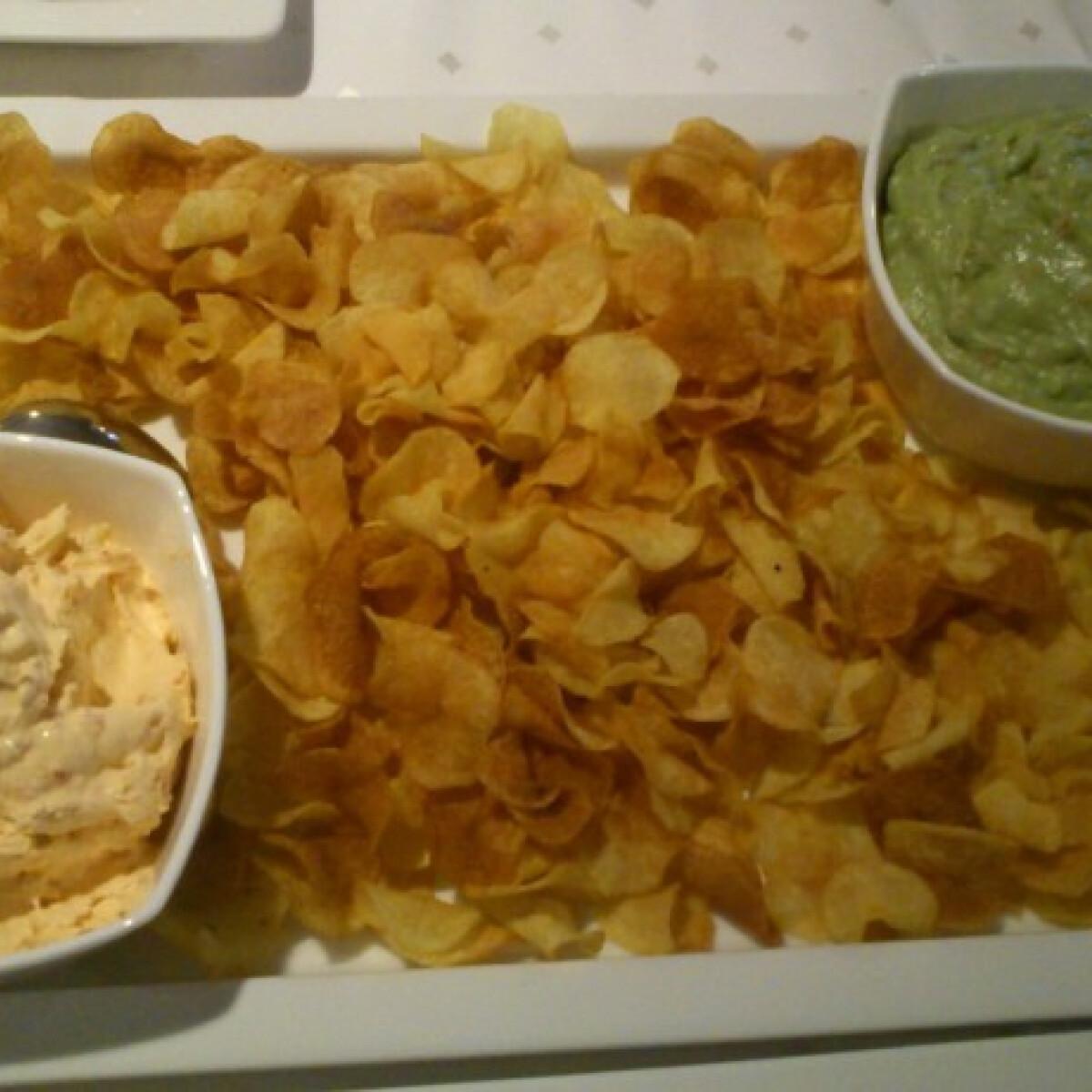 Ezen a képen: Chips kétféle fűszerkeverékkel
