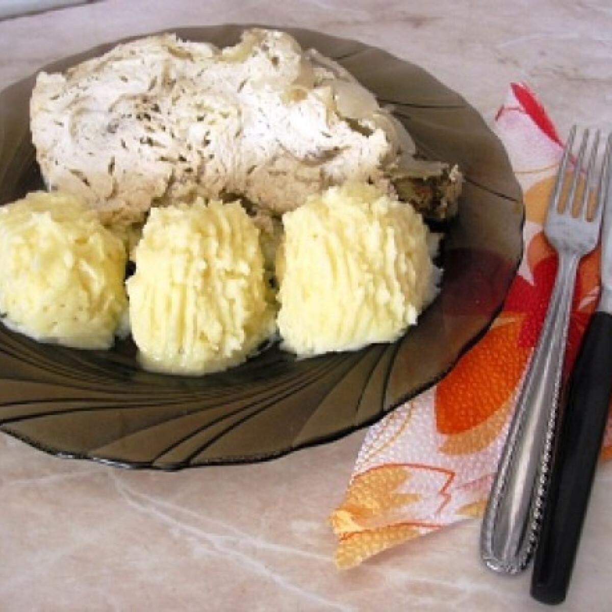 Ezen a képen: Hagymás-majorannás csirke Gabystól