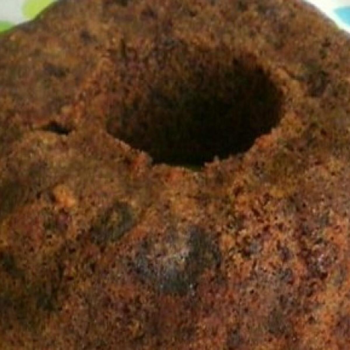 Ezen a képen: Csokis-diós kuglóf