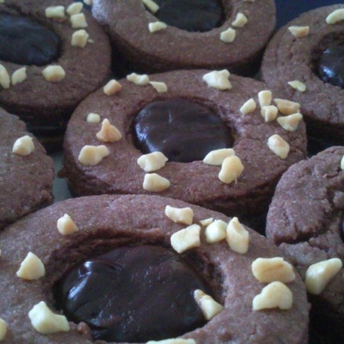 Ezen a képen: Csokoládés linzer extrákkal