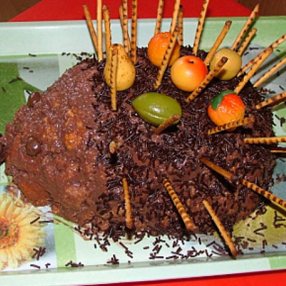 Ezen a képen: Süni torta