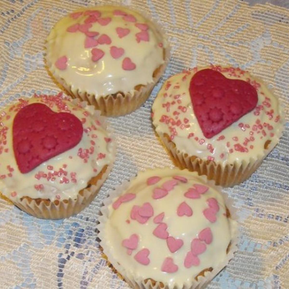 Ezen a képen: Valentin napi muffin Nikókától